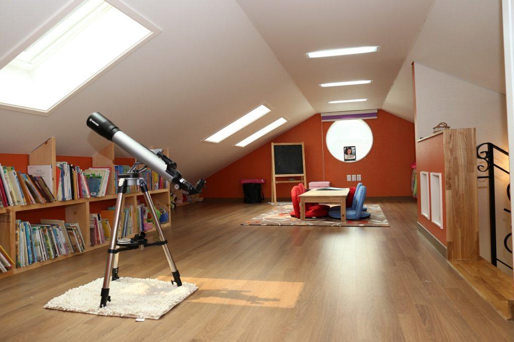 Dacharbeiten in Dachwohnung, Dachausbau,